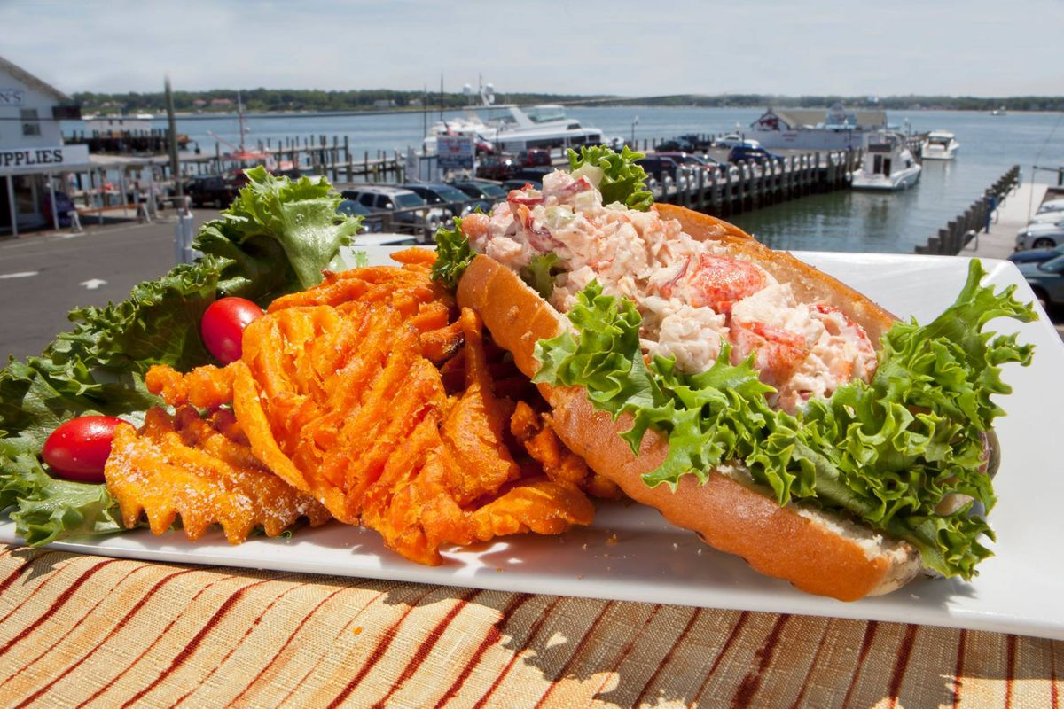 Lobster Roll I Claudios North Fork
